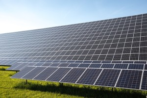 Minnesota Community-Solar Backers Question Utility Concerns